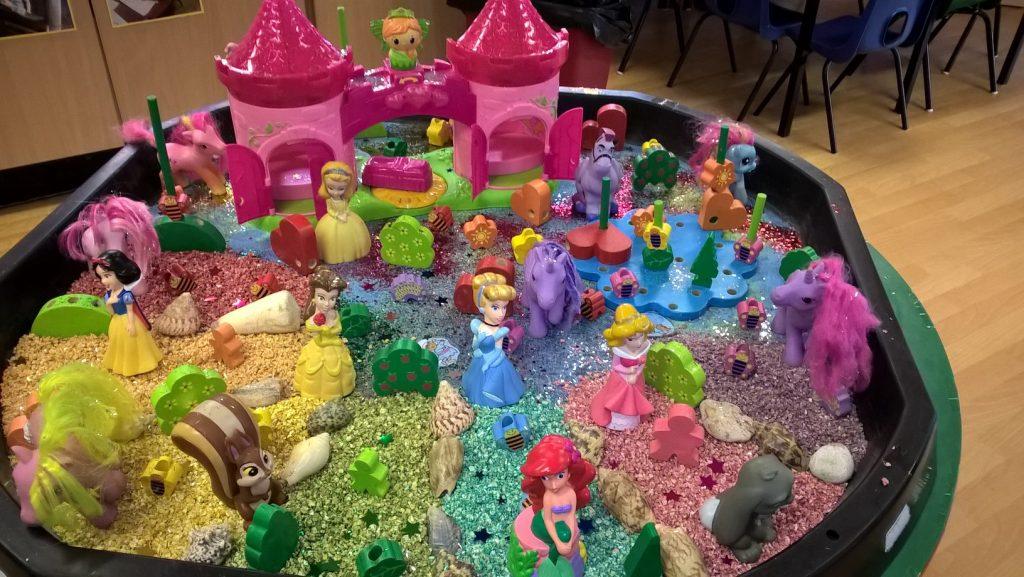 Disney princess ponies play table
